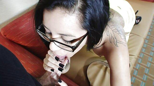 Jav idol kikukawa مشتریان کانال سکسی سوپر را در یک نوار دمار از روزگارمان درآورد ، آنها را بیدار می کند