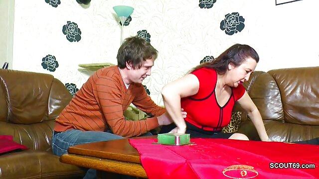 سبزه چاق جیانا مایکلز با جوانان بزرگ و الاغ در لباس سوپر کانال سکس زیر زنانه گرم