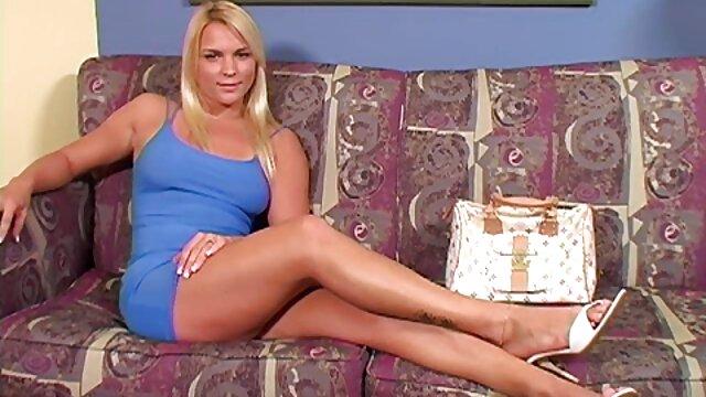 مونیکا شناخته شده است 18 به فیلم سکسی سوپر تلگرام من الاغ