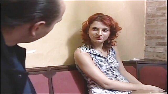 فاک مقعد کانال سوپر سکسی و صورت هاردکور در فضای باز