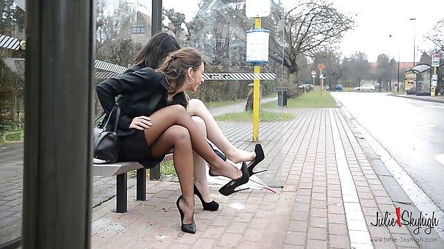 شخص خوش شانس توسط MILF و دخترش - Brazzers - به اشتراک فيلم سكس در تلگرام گذاشته می شود