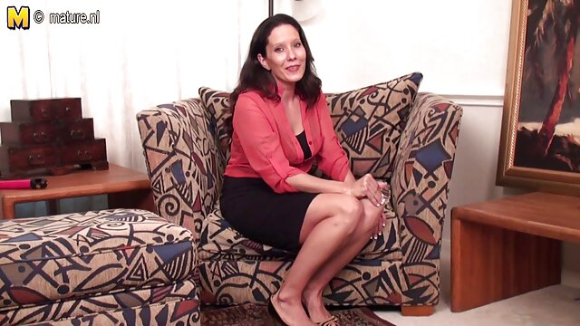 سوفی کارتر یک بی پروایی کانالهای تلگرام فیلم سکسی بی پروا می دهد