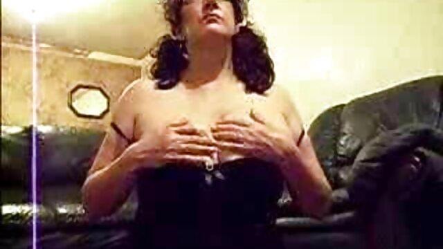 بزرگ زن گروه تلگرام فیلم سوپر خانه دار کلیت! ایتالیا Sluts Club Orgy